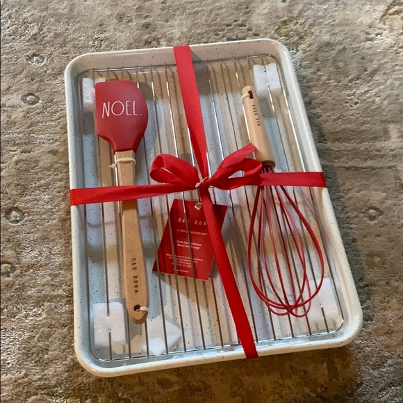 🎄NEW! Rae Dunn 4 Piece Baking Set